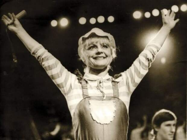 Ириска на арене цирка | Фото: aquaviva.ru
