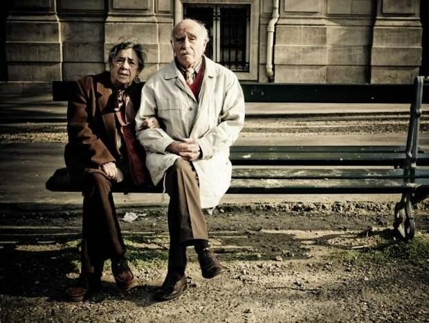 Как быть со старыми родителями?