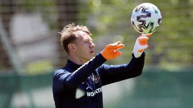 Сафонов оценил свой дебют в сборной России