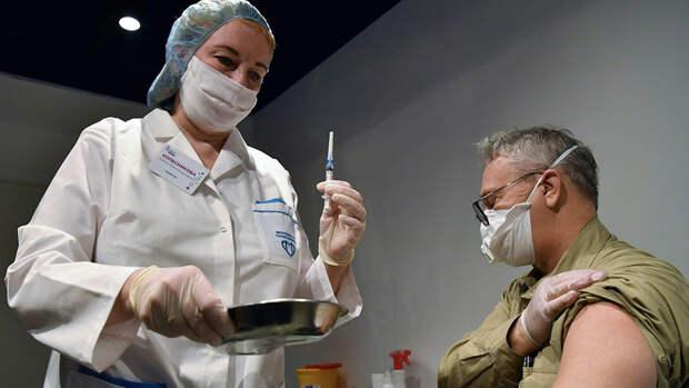 Каждый пятый россиянин готов привиться от коронавируса ради путешествий по миру