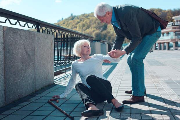 Падения у пожилых: можно ли с ними бороться?