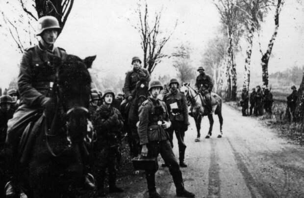 Парад уродов. Почему к одним эсэсовцам в Европе относятся хуже, чем к собакам, а других чествуют, как героев?
