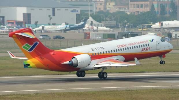 Китайский самолет ARJ21 выполнил первый рейс во Владивосток