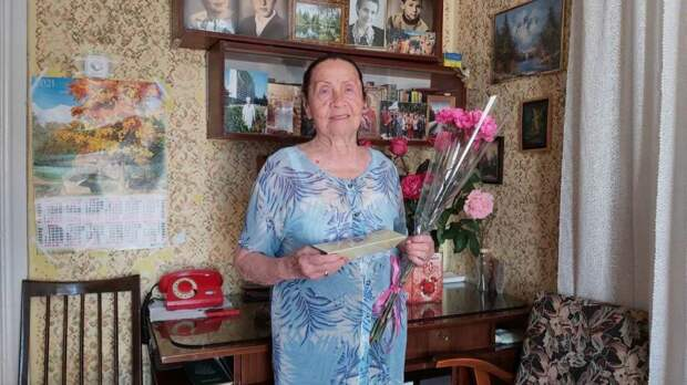 С 90-летним юбилеем поздравили жительницу города Ялты Ядвигу Владимировну Кучмеровскую