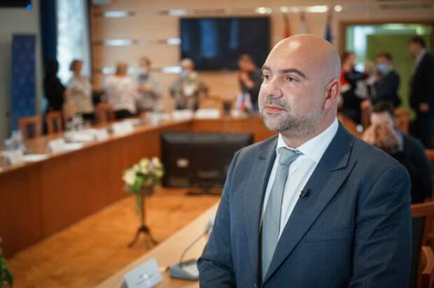 Баженов рассказал о модернизации учебных и лечебных учреждений Москвы . Фото: Максим Манюров
