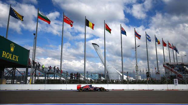 «Формула-1» убрала флаг России изкалендаря сезона-2021