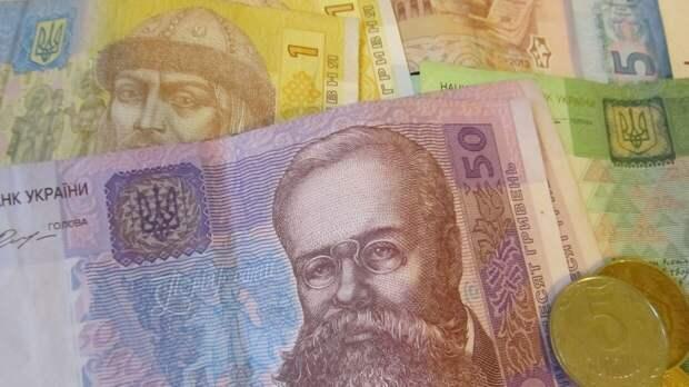 Украинские пенсионеры могут остаться без июньских выплат...