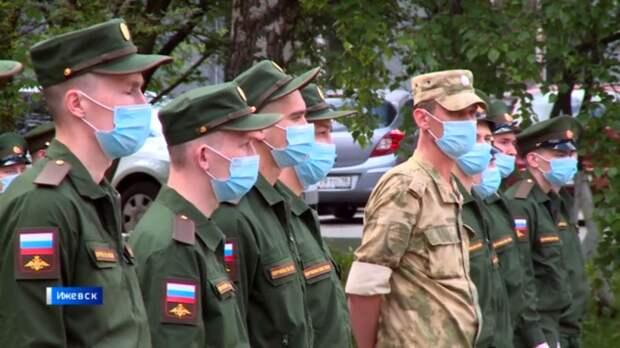 Без духовенства и казачества: первые новобранцы уехали в армию из Удмуртии