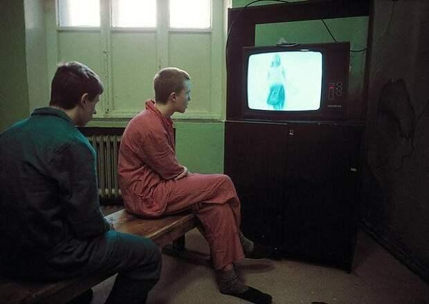 Институт психиатрии им. Сербского. 90-е. Фотограф - Лиз Сафарти