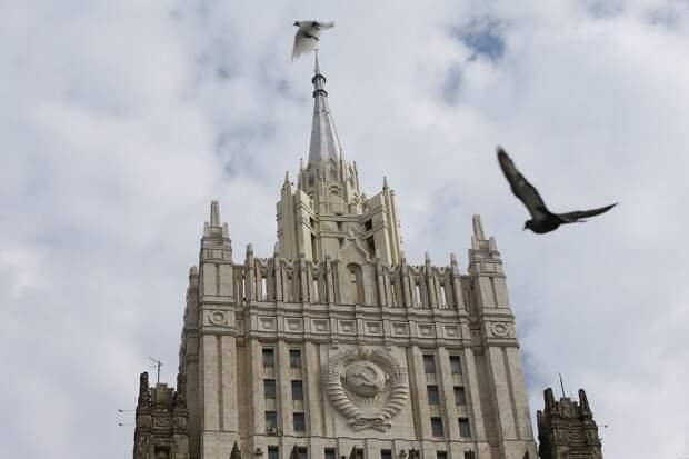 Лукьянов: Ответом на напор США должна стать тесная кооперация РФ и Китая