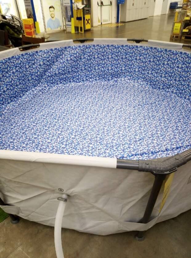 Выбрали бассейн для детей, теперь нужно покупать все принадлежности, но пока не пожалели о покупке