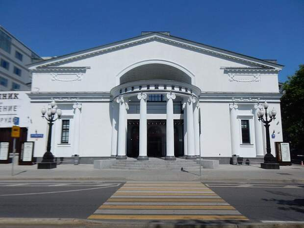 «Современник» представит премьеру спектакля «Театр» в день своего 65-летия