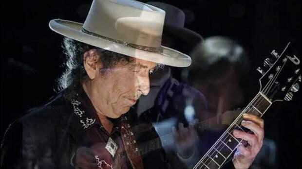 Боб Дилан - блестящий музыкант и нобелевский лауреат.