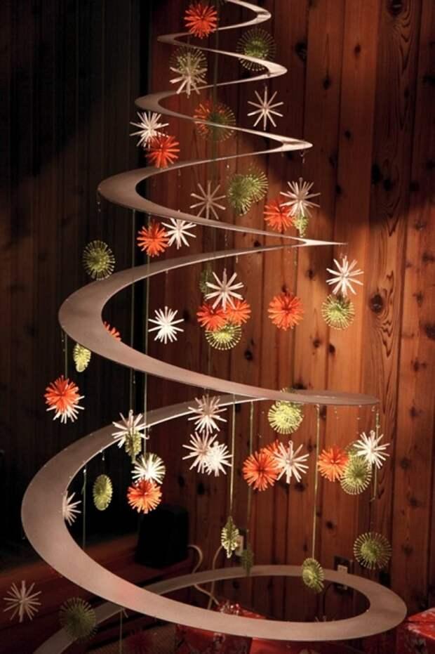 Хороший пример украшения пространства дома в новогоднем оформлении.