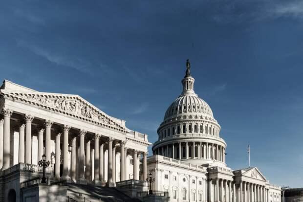 Власти Вашингтона обяжут бизнес избавиться отвыбросов к2050году: Новости ➕1, 17.05.2021