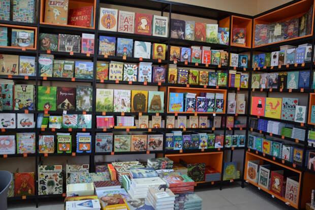 С 16 июля не менее 50% названий книг, продаваемых в магазинах Украины, должны быть на украинском языке