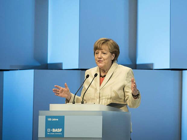 «Высплюсь, немного погуляю на природе»: Меркель рассказала о планах после ухода в отставку