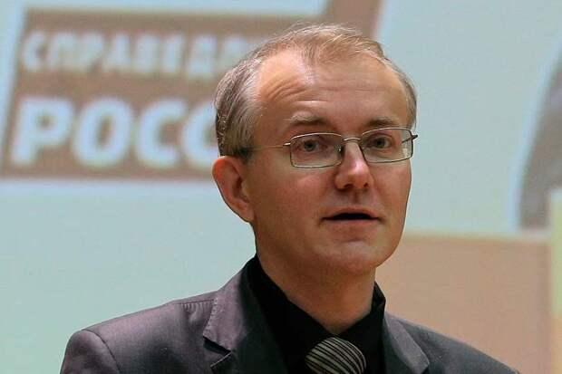 Олег Шеин сообщил, что «единороссы» блокируют любые законы, улучшающие жизнь россиян