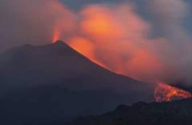 В Италии проснулся вулкан Этна