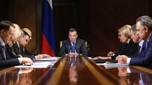 Медведев сменил главу Роструда, замминистра труда и соцзащиты и замруководителя ФАДН