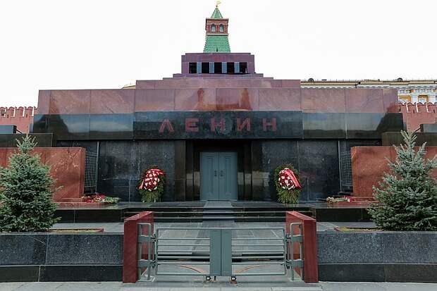 Американский художник Дэвид Датуна заявил, что более 50 миллионов долларов собрали на покупку тела Владимира Ильича Ленина