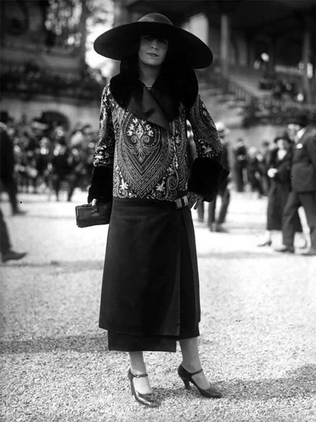 Женская мода 1920-х: винтажные фотографии, раскрывающие неповторимый уличный стиль прошлого Стиль, винтаж, двадцатые, женщина, мода, прошлое, улица, фотография