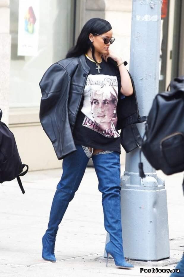 Звездный тренд: джинсовые ботфорты