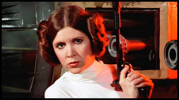 27 декабря в США в возрасте 60 лет скончалась американская актриса Кэрри Фишер, наиболее известная по роли принцессы Леи в киносаге «Звёздные войны».