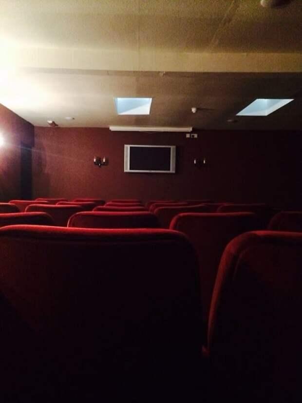 15. И, наконец, самый лучший гостиничный кинотеатр Все включено, гостиница, забавно, подборка, прикол, провал, фото, юмор