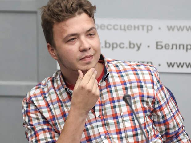 Мать Протасевича назвала причины поведения сына перед прессой