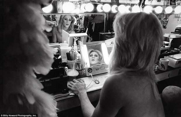"""Свою серию работ Ховард назвал """"Любовь, Похоть и Потеря: Фотографические мемуары 80-х годов"""" 80-е, сша, фотография"""