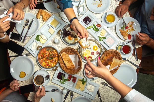 В Англии клиенты не оплатили кафе счет в 500 фунтов за обед
