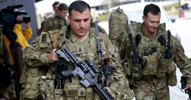 Американского военного выкинули изармии закритику марксизма (ФОТО)