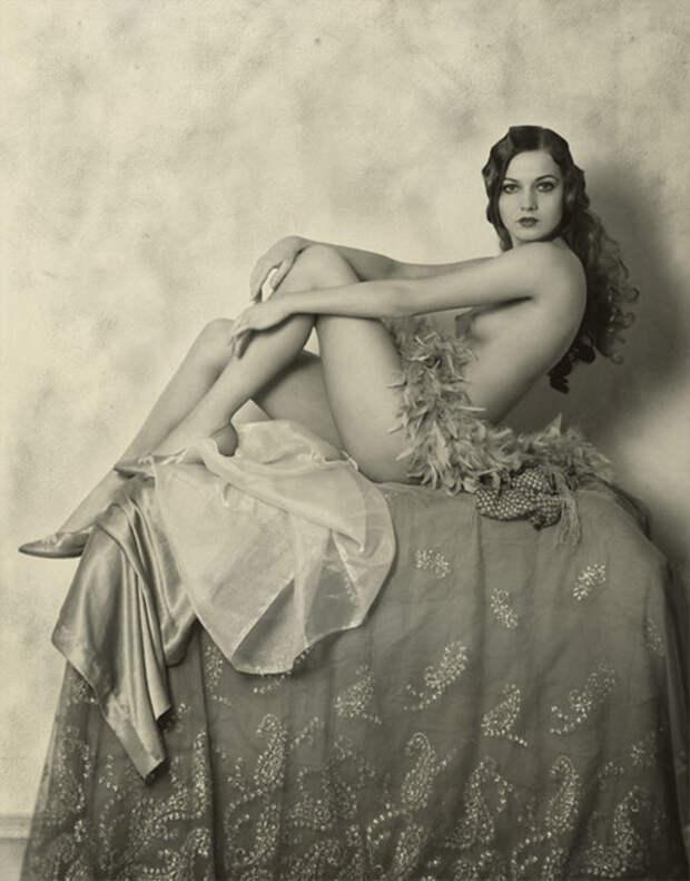 Фотографии в стиле ню 1920 года