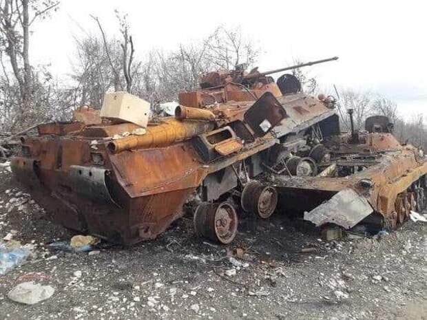 Азербайджанский БТР-82 протаранил БМП-2 ВС Армении в Карабахе