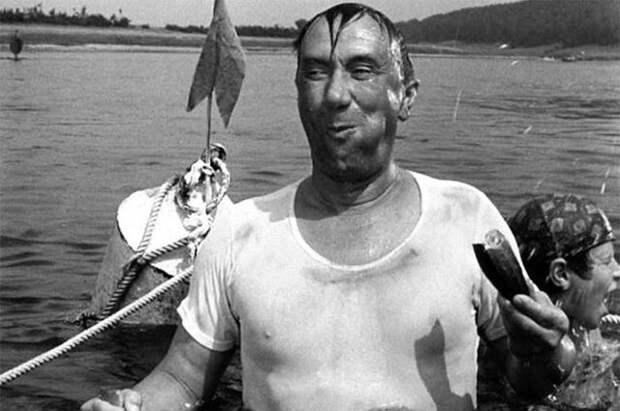 Смирнов появился в одном из самых смешных фильмов о детях.