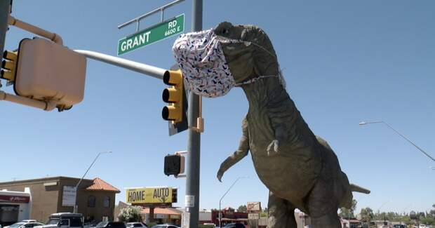 Христиане против динозавров: вАризоне верующие оскорбились статуей тирекса