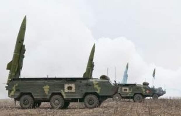 на фото: ракетные тактические комплексы «Точка-У»