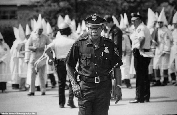 Митинг сторонников Ку-клукс-клана 80-е, сша, фотография