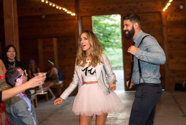 15 идей необычных свадебных нарядов, которые подчеркнут индивидуальность и характер современных невест