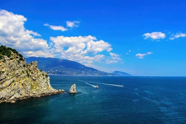 Глава Крыма пообещал, что коронавирусные ограничения на полуострове возвращать не собираются