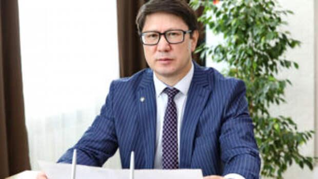 Зарплата главы фонда социального медстрахования — 1,5 миллиона тенге в месяц