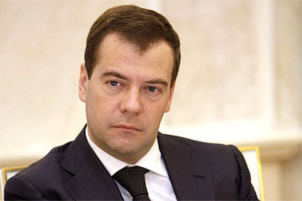 Медведев собрался существенно уменьшить количество вузов в стране