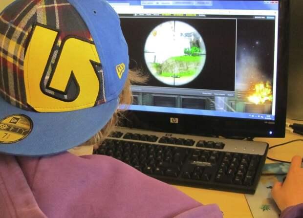 От разряда молнии в Кулебаках пострадал подросток, сидящий за компьютером
