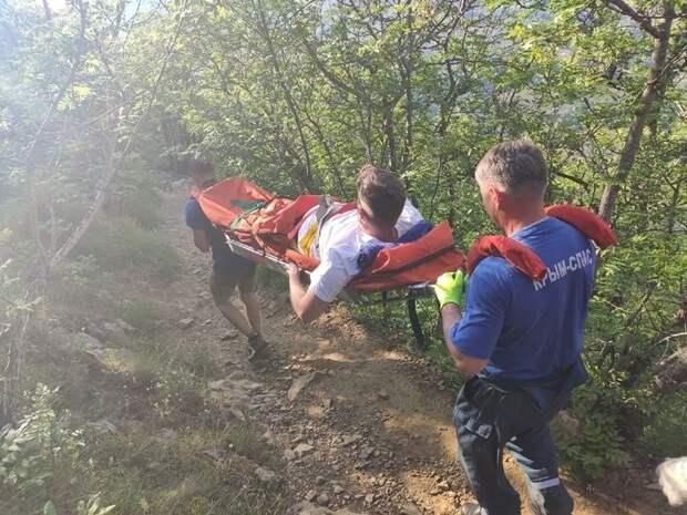 За прошедшие сутки сотрудники Алуштинского аварийно-спасательного отряда ГКУ РК «КРЫМ-СПАС» провели две поисково-спасательных операции на горе Аю-Даг