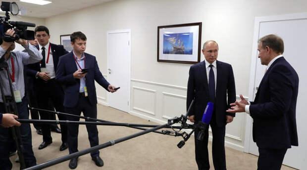 К Кремлю возникли вопросы об убежище для «связанного» с Путиным и «пропавшего» на Украине политика
