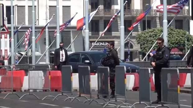 Журналист кремлевского пула показал пропуск на саммит Путина и Байдена