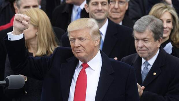 Президент США Дональд Трамп на церемонии инаугурации в Вашингтоне
