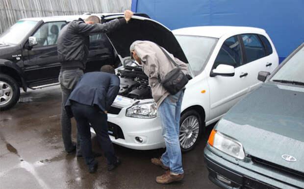Российским водителям рассказали о способах узнать настоящий пробег подержанного авто