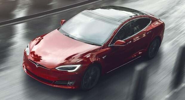 Илон Маск показал самую быструю Tesla в истории. Она настолько скоростная, что тянет даже Cyberpunk 2077